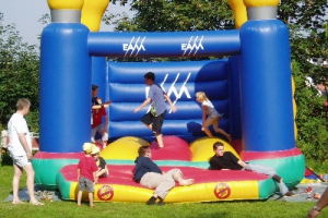 Spielplatzeinweihung 2004