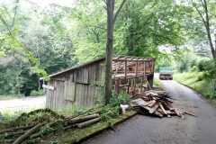Abriss des alten Holzschuppens